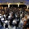 """Vor ausverkauftem Haus gab das Symphonieorchester Wuppertal unter der Leitung von Toshiyuka Kamioka mit den """"Planeten"""" von Holst ein Gastspiel im Schulzentrum Süd Wuppertal."""