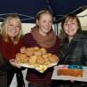 Keine Spur von Europa-Verdrossenheit bei diesen Schülerinnen des Carl-Fuhlrott-Gymnasiums: Sogar einen Europa-Kuchen gab's zum CFG-Tag 2011.
