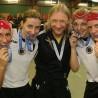 Mike Neubauer (mi.) als damaliger Trainer der deutschen Rollhockey-Damen nach dem Bronze-Gewinn bei der Heim-EM in Cronenberg.