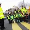"""Polizeipräsidentin Birgitta Radermacher (hi. li.) kam zum Auftakt der diesjährigen Aktion """"Siehst du mich?"""" zur städtischen Kindertagesstätte in der Carl-Schurz-Straße."""
