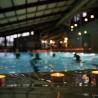 Stimmungsvoller schwimmen geht wohl nimmer: Im Schein von 1.000 Teelichtern konnten die Badegäste am 14. Dezember 2011 im Gartenhallenbad Cronenberg ihre Bahnen ziehen...