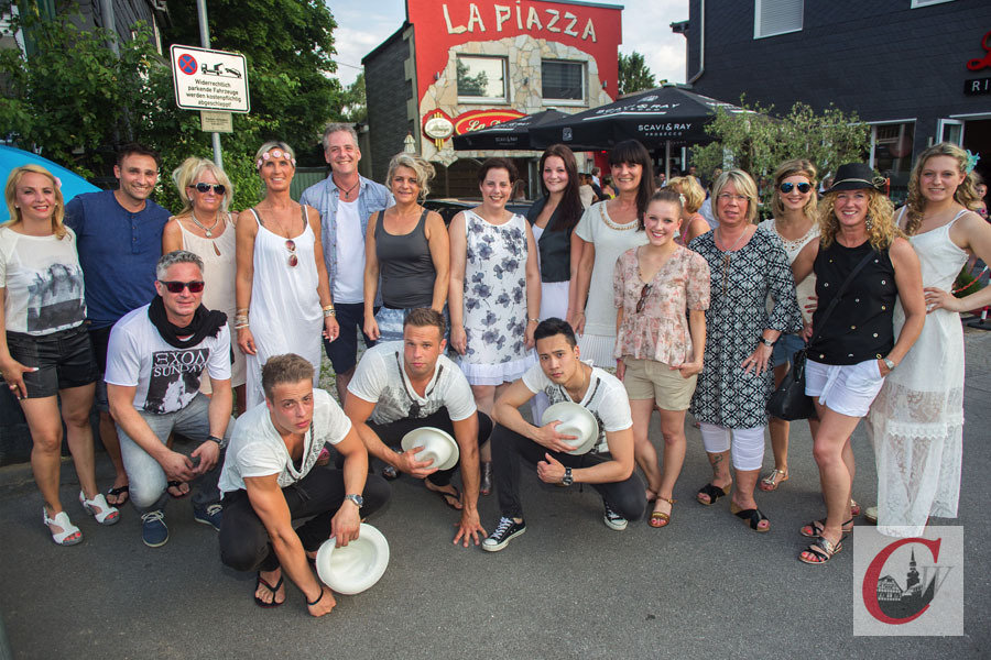 7 Jahre La Piazza Beach Atmosphare Und Modenschau Cronenberger Woche