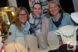 Britta Pandel-Rood (re.) und Maja Luhn (li.) laden im Rahmen des Küllenhahner Advents wieder zum Kunsthandwerker-Markt in die ehemalige Pandelsche Beile-Fabrik ein.