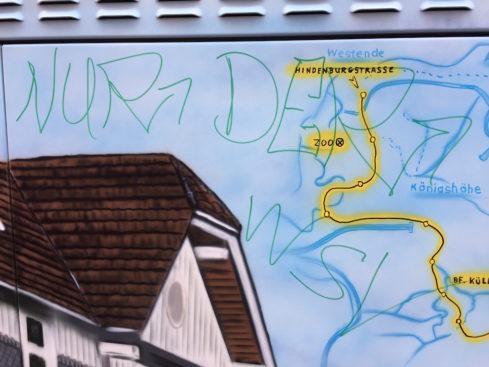 """Eine der dreisten Schmierereien auf dem gerade ferig gestellten """"Samba-Kasten"""" an der Küllenhahner Straße 190. -Foto: Bürgerverein Küllenhahn"""