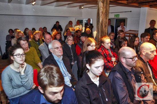 """Volles Haus herrschte beim """"Wahl-Check"""" in der Kulturschmiede. Foto: Meinhard Koke"""