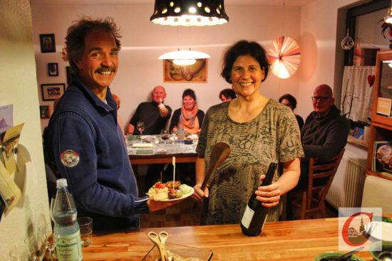 Debütanten II: Bei Familie Geisler waren Tapas, Sherry & Rotwein Trumpf, während… -Foto: Juri Lietz