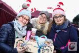 Ob mit Plätzchen und/oder Glühwein – der Küllenhahner Advent sorgte wieder für strahlende Gesichter. -Foto: Meinhard Koke
