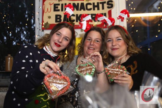 In der Weihnachtsbäckerei gab es erstmals Küllenhahner Lebkuchen-Herzen zum Advent – lecker! -Foto: Meinhard Koke