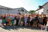 """Heike Breitrück (3.v.r.) und Kornelia Smailes (li.) mit den """"Dankeschön""""-Gästen die sich ehrenamtlich für die Caritas-Hospizdienste engagieren. -Foto: Meinhard Koke"""