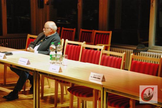 …im Anschluss nahm Vizebürgermeister von Wenczowsky als einziger CDU-Vetreter an der BV-Sitzung teil. -Fotos: Meinhard Koke