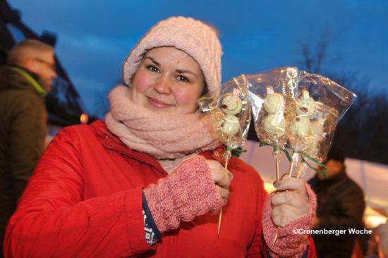 Eines der Gesichter des Hüttenzaubers 2018, die an den Ständen zu einem stimmungsvollen Weihnachtsmarkt beitrugen. -Foto: Meinhard Koke
