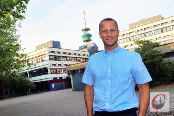 Markus Dätig tritt in die Fußstapfen von Hartmut Eulner als Leiter der Friedrich-Bayer-Realschule (FBR) im Schulzentrum Süd. | Foto: Meinhard Koke