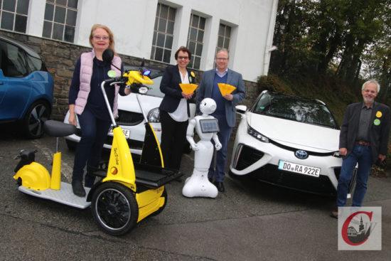 Die 2. Cronenberger Solarmesse stand erstmals auch im Zeichen von Elektromobilität. | Foto: Meinhard Koke