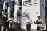 """Bei der Drohne, welche Berger-Chef Dr. Andreas Groß (mi.) fürs CW-Bild steigen ließ, handelt es sich natürlich nicht um einen der """"CronenCopter"""", welche in dem Pilot-Projekt mit den CW-Herausgebern Oliver Grundhoff und Meinhard Koke (re.) als Lastendrohnen eingesetzt werden.   Foto: Matthias Müller"""