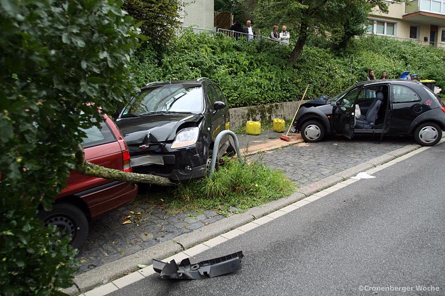 Unfall Cronenberger Straße - Foto 01
